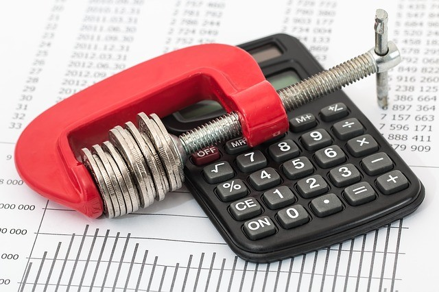 Budget calculation with calculator